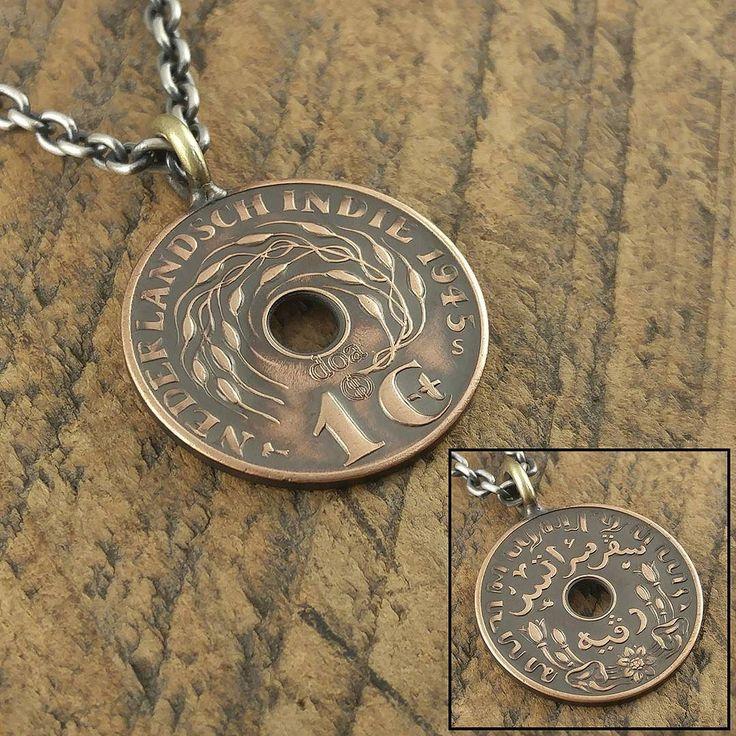 刻印ですがこれまでは数字や英字大文字のブロック体のみでしたがフラットな物やコンチョ程度でしたらスペースさえあればどのフォントでも可能ですコインリングは形状的な問題から基本的にはこれまで通りとなります  ちなみに写っているコイントップは日本軍撤退後に再領有したオランダ領東インド(現インドネシア)時代の硬貨です  #coinjewelry #necklace #pendant #dutcheastindia #nederland #indonesia #doa