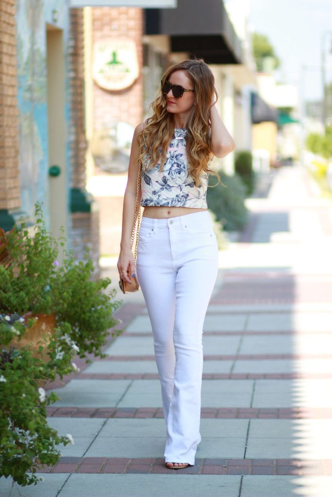 Floral crop top and high waisted flared jeans, Summer outfit