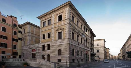The Museo Barraco consists of a prestigious collection of antique sculpture – art from Assyria, Egypt, Cyprus, Phoenicia, Etruria, Greece and Rome – which Giovanni Barracco, a wealthy nobleman of Calabria, gave to the Municipality of Rome in 1904.
