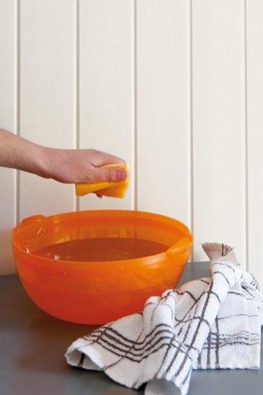 Näin puhdistat paneeliseinän! http://colornova.fi/