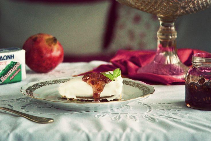 τσιζκέικ με γιαούρτι και ρόδι