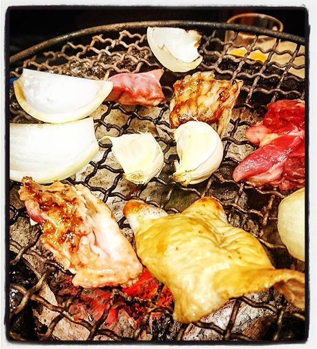 ロースター焼肉も好きだが、七厘焼肉も好きだ。ホルモンともなればやっぱ七厘だよなぁ♪旨かったな~夏冬さん。どうやら新宿・五反田・御徒町にもお店出してるみたい。ヤルッ♪  #yakinikuic #大門 #浜松町 #ホルモン焼夏冬 #大門夏冬 #夏冬 #焼き肉 #焼肉 #肉 #にく #29 #ホルモン焼き #ホルモン焼 #ホルモン #中盛 #中盛り #ホルモンミックス #ミックスホルモン #ホルモン盛り合わせ #玉ねぎ #にんにく焼き #焼きにんにく #にんにく #ニンニク #ガーリック #Daimon #Hamamatsucho #yakiniku #horumon #garlic