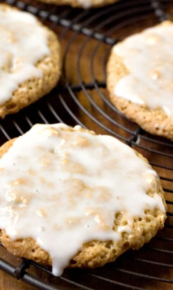 Old-Fashioned Iced Oatmeal Cookies – perfectly crunchy cookies that everyone loves! Dressed up with a sweet glaze!