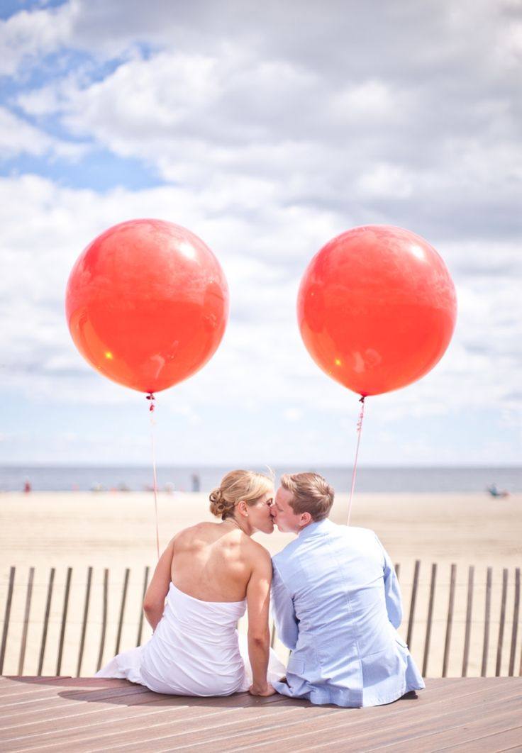 Carnival Themed Wedding... LOVE! Photo by Kira Cronin Photography, see more: http://theeverylastdetail.com/blue-red-carnival-themed-wedding/