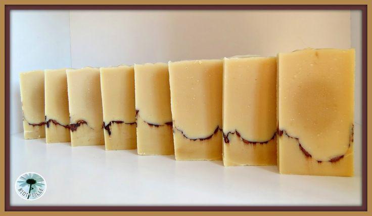 BIOTYTILLE: Savon spécial visage au lait d'ânesse et au beurre de karité.