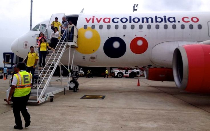 Foto: Susana Gómez Manrique. A la arenosa llegan desde todo el país, vuelos abarrotados de hinchas de la selección.