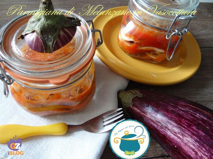 Oggi vi presento la parmigiana di melanzane in vaso cottura! Dopo il successo (accompagnate da tante vostre domande) delle altre ricette che vi ho presenta