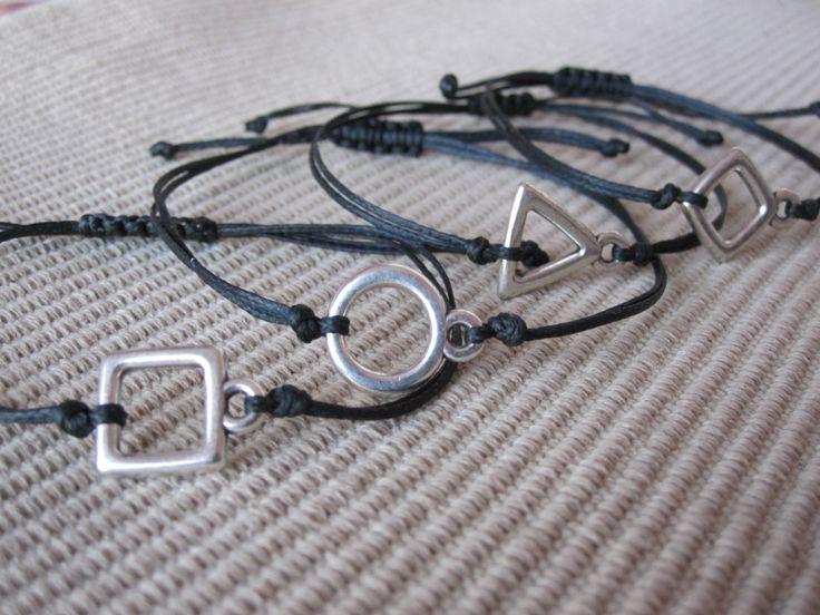 Geometric friendship bracelet / Macrame bracelet by MykonosByBoni on Etsy