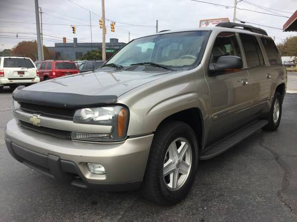 2002 CHEVROLET TRAILBLAZER EXT LT ONE OWNER  THIRD ROW SEATING (EVETTES USED CARS /CARFAX IN HAND) $3995