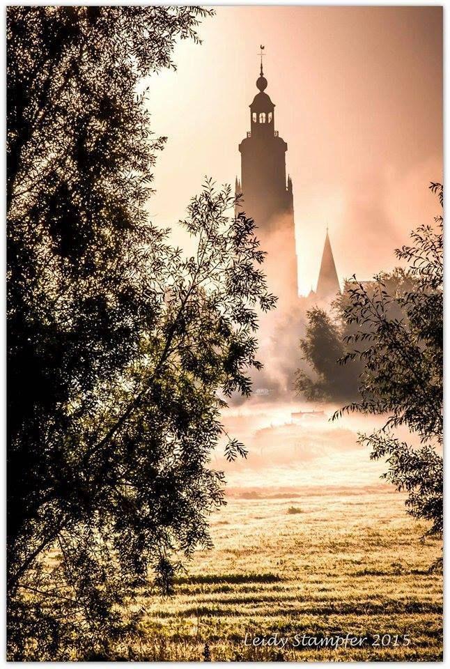 Walburgtoren in de mist, 26 september 2015