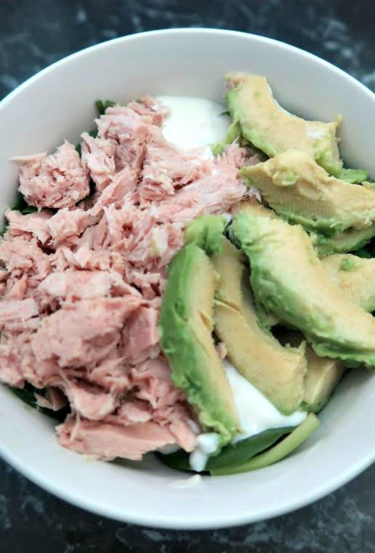 Low Carb Tuna Salad Recipe - Keto Diet Friendly Lunch Ideas - Low Carb Lunch Bowl