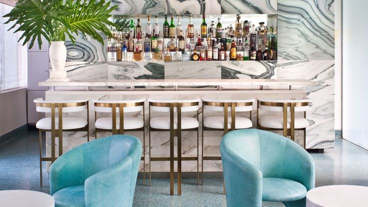 Guests can enjoy an evening cocktail or a morning cocktail at Oliverio Bar