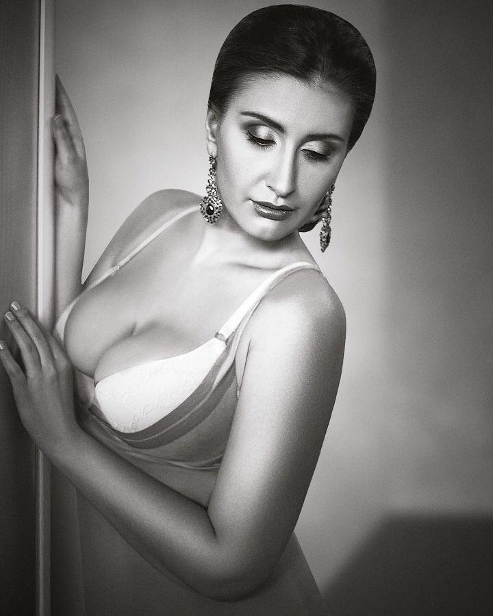 Curvy model Mila Repina https://www.facebook.com/milacurvy  Ph by Helga Charina  MUA Elena Uspenskaya #curvy #plussize #plusmodel #lingerie #beautiful #woman #portrait #sexy #classy #look #elegance