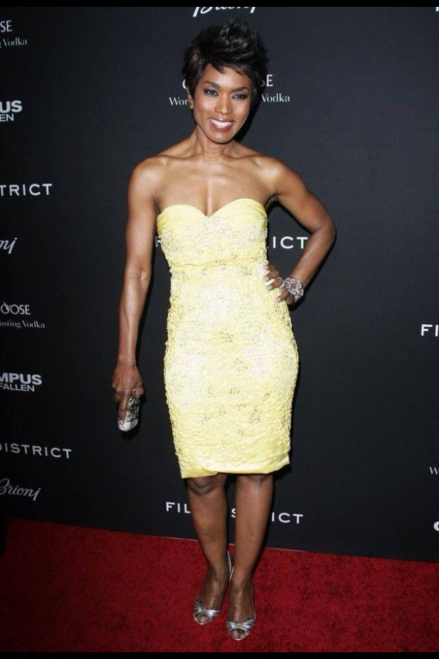 Actress Angela Bassett Giving Great Face And Toned Body