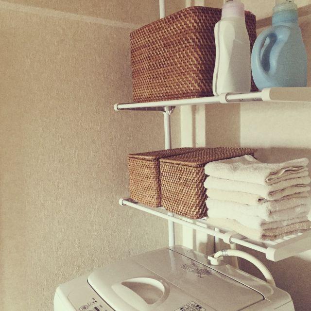 洗濯機置き場って、どのように活用していらっしゃいますか?狭いし、なかなか洗剤やストックも置きづらいですよね。実例画像で、ご参考になるアイデアをご紹介します♪
