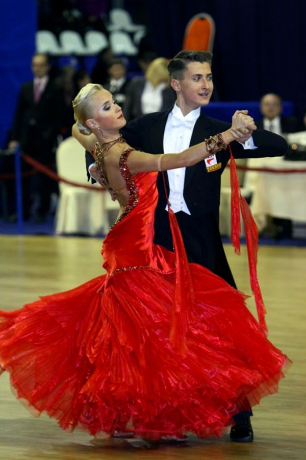 How to Ballroom Dance: Ballroom Dancing Lessons on Video/DVD