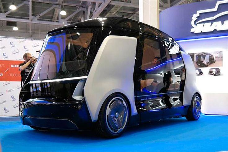 """В 2018 году в России могут появиться первые беспилотные микроавтобусы """"Шатл"""" — совместное детище от КамАЗ, """"Яндекс"""" и научного центра НАМИ."""