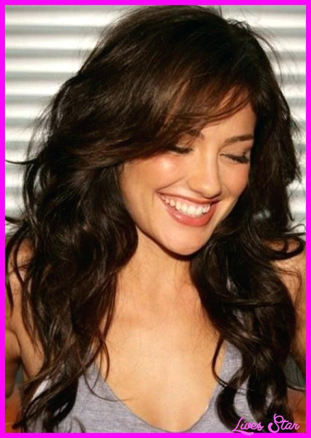 Long Hairstyles With Side Bangs Layered Haircuts With Side Swept Bangs Long Hairstyles With Side Fringe 2 Haircuts For Wavy Hair Long Brunette Hair Hair Styles