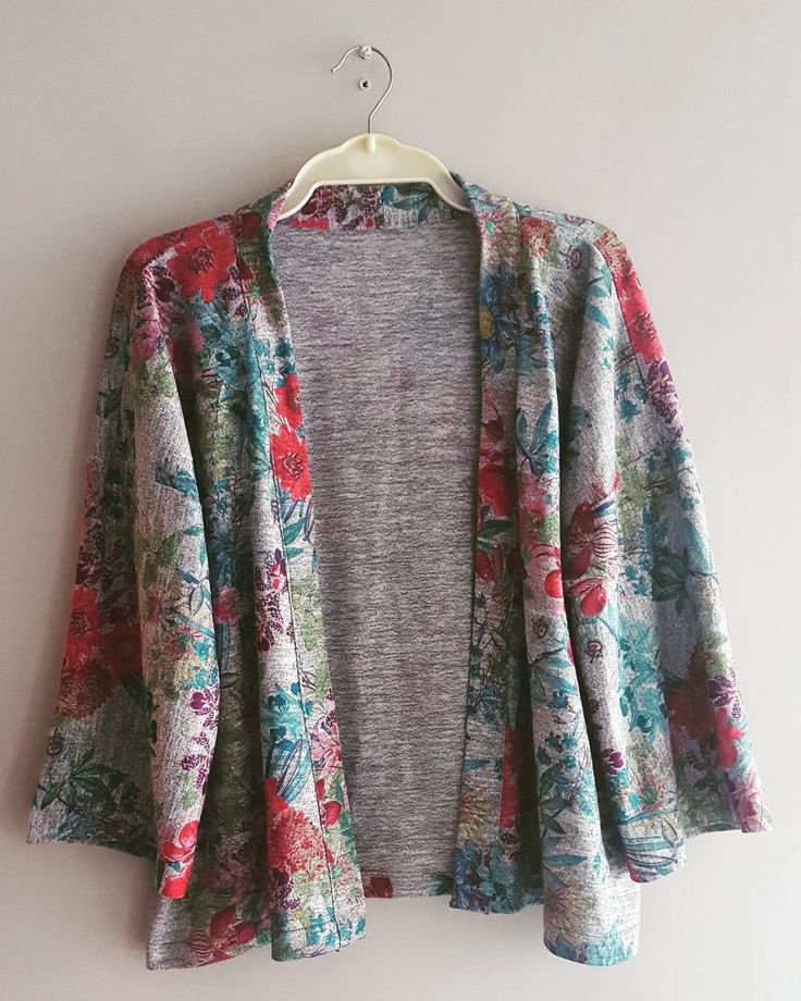 The Sew Over It Kimono Jacket. This beautiful drapey jesery is just the right weight for a summer throw-on thing. Pattern is really simple, nice overlocked edges although I liked the French seamed idea for neatness. Give it a go