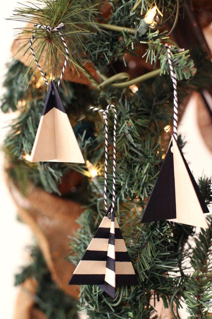 Decori in legno fai da te per l'albero di Natale