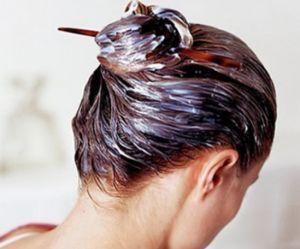 Comment fortifier et assouplir vos cheveux grâce à un masque fait maison noté 3.31 - 36 votes Vous voulez retrouver des cheveux fortifiés, souples, et brillants ?Alors n'hésitez plus, laissez-vous séduire par notre masque hydratant au lait de coco ! Il vous faut: – 2 cuillères à soupe de miel – 2 cuillères à soupe...