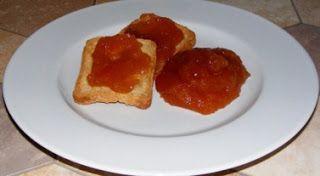 Un pensionato in cucina: Confettura di scorza di anguria al basilico.