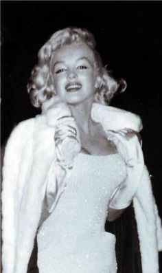 Marilyn photographed on her way to the play, Night Conversation Piece, starring her sister-in-law, Joan Copeland (Arthur Miller's sister), November 18, 1957.