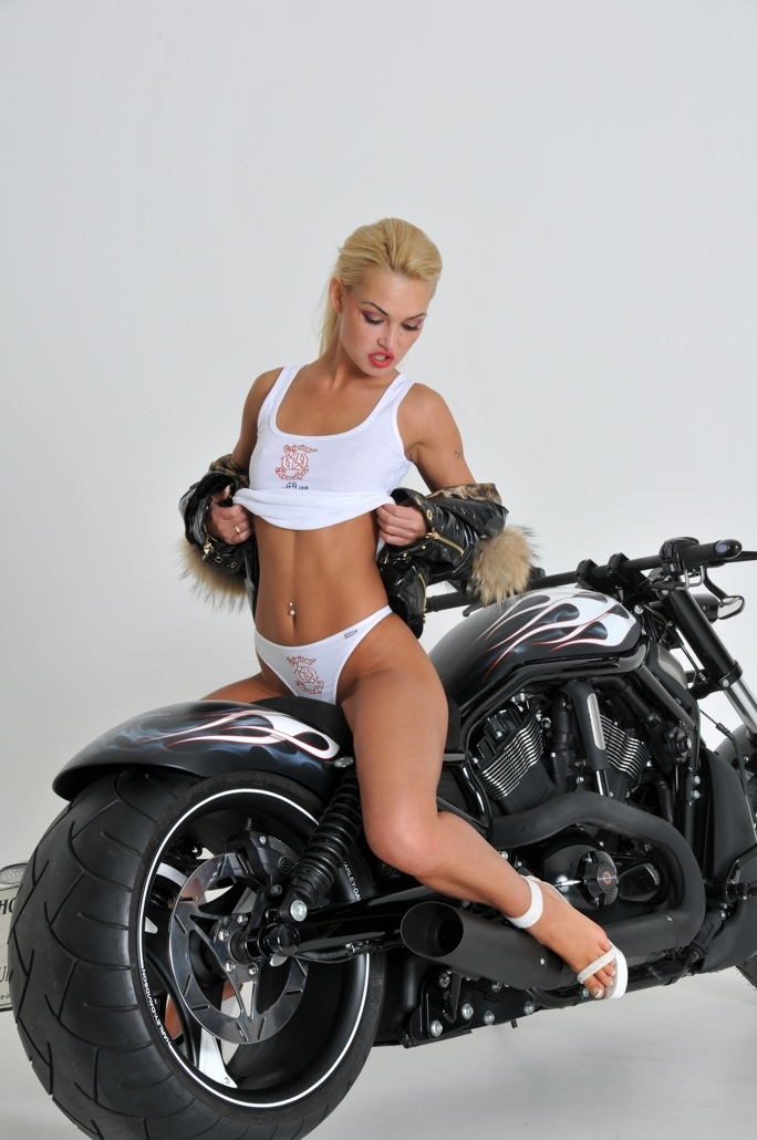 Babe bike biker chick harley night