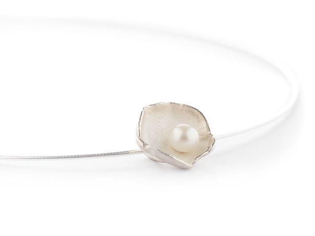 Zilveren hanger met witte parel online kopen