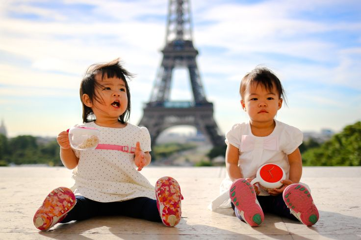 Tania & Heng's happy family hanging out in the Eiffel Tower - WESHOOT Paris Photo Session