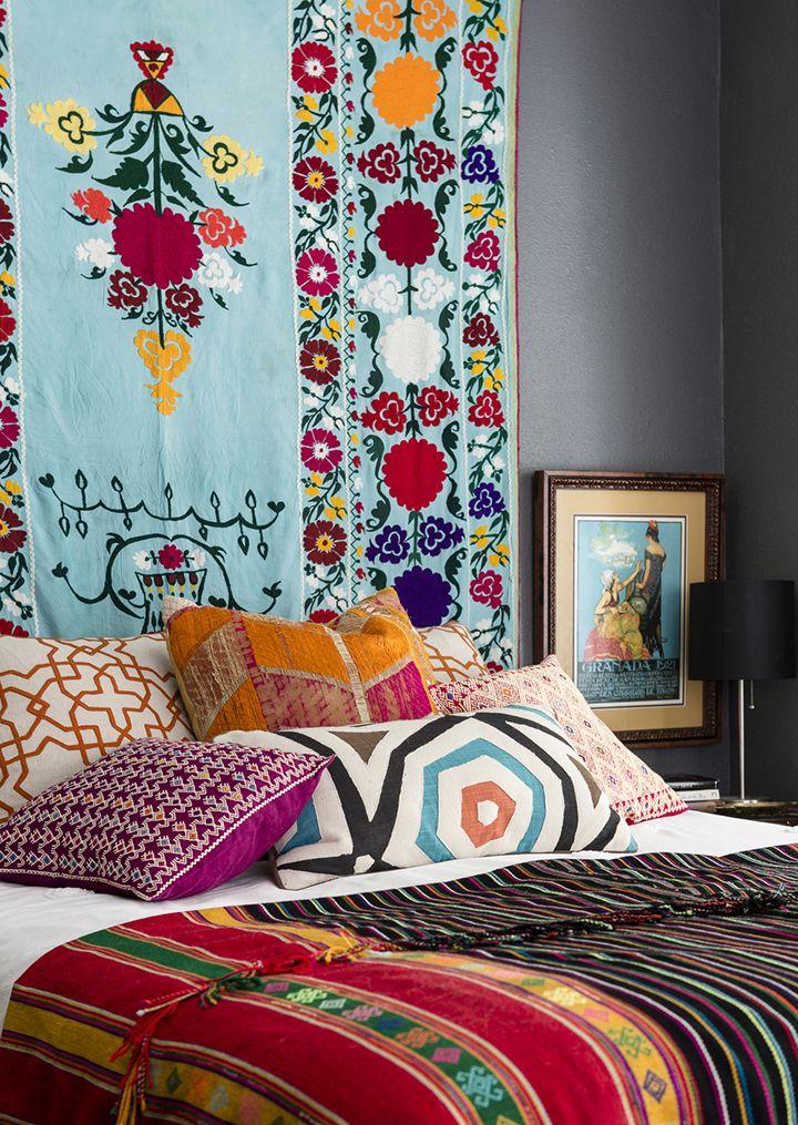 Decoração de: Detalhes; tapeçaria indiana; Casa de Valentina