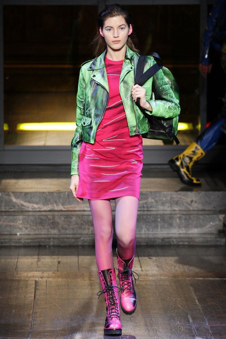 Moschino Pre-Fall 2016 Fashion Show