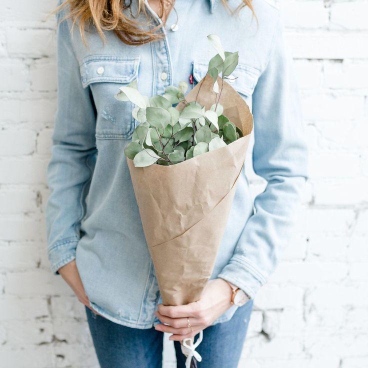 Have you placed your order online for your flowering needs? Every week you can order your eucalyptus dried lavender cotton stems winter bouquets and Christmas wreaths to come and pick them up in the shop! Available in the section Home Flowers.  ................................... Avez-vous passé votre commande en ligne pour vos besoins en fleurs? Chaque semaine vous pouvez commander votre eucalyptus lavande séchée tiges de coton bouquets d'hiver et couronnes de Noël pour ensuite venir les…