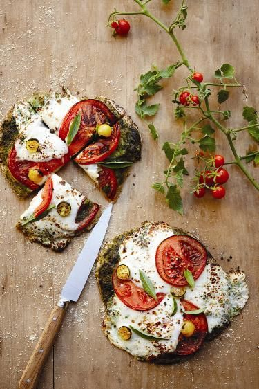 Italian Mozzarella and Tomato-Basil Caprese Flatbread