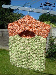 Super Quick Laundry Peg Bag | AllFreeCrochet.com