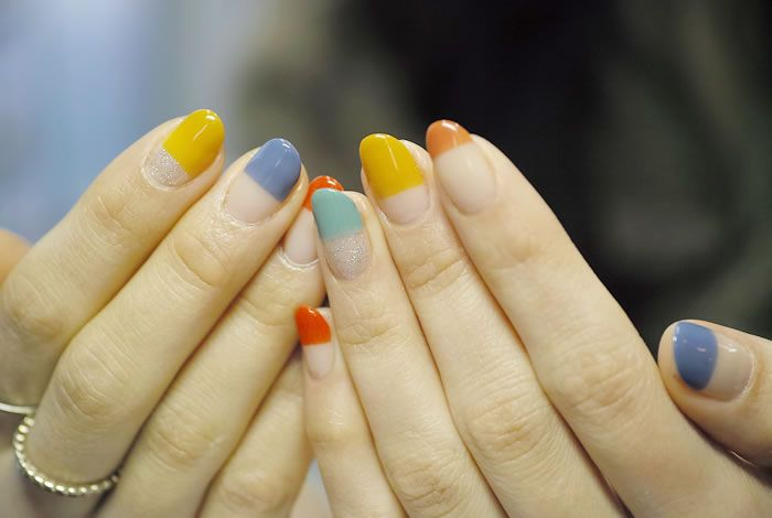NAIL-COMMON: [Colorful]straight french nail
