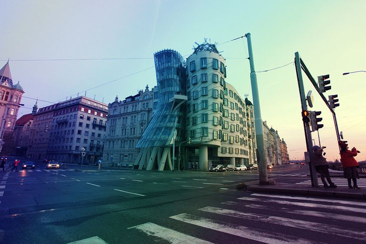 Танцующий дом — офисное здание в Праге в стиле деконструктивизма, состоит из двух цилиндрических башен: нормальной и деструктивной. Танцующий дом является архитектурной метафорой танцующей пары, в шутку называется «Джинджер и Фред» в честь пары Джинджер Роджерс и Фред Астер.