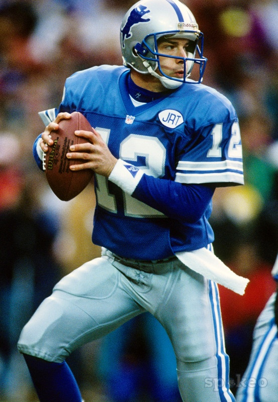 Detroit Lions quarterback Erik Kramer (12) in action against the Washington Redskins in the 1991 NFC Championship at RFK Stadium. The Redskins defeated the Lions 41-10.
