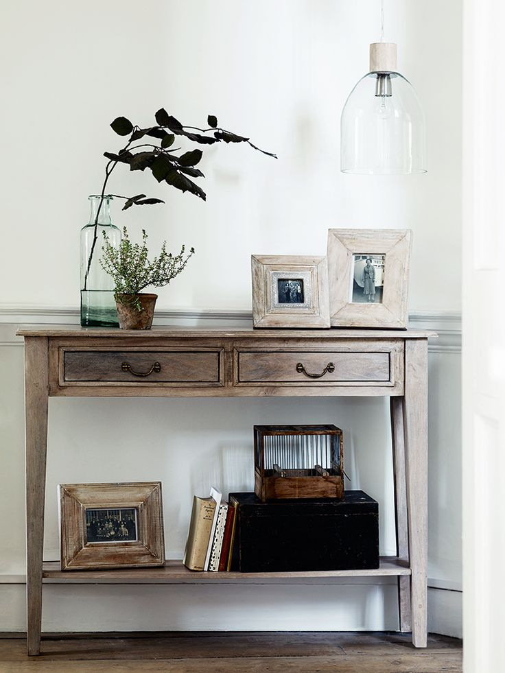 Best 25 slim console table ideas on pinterest small for Skinny dressing table