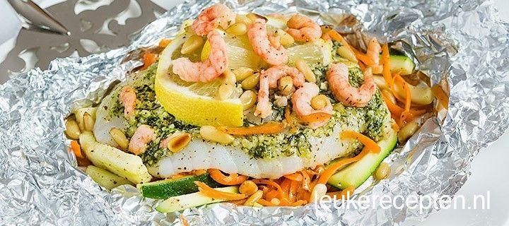 goed gevuld pakketje met lekkere groente, een stukje vis met dillepesto en garnaaltjes