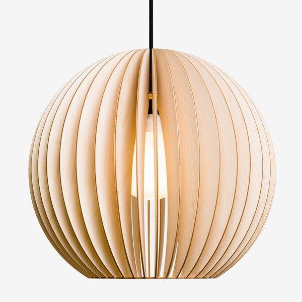 iumi h ngelampe aion natur lampe aus holz made in berlin lampen gl hbirnen wohnen. Black Bedroom Furniture Sets. Home Design Ideas