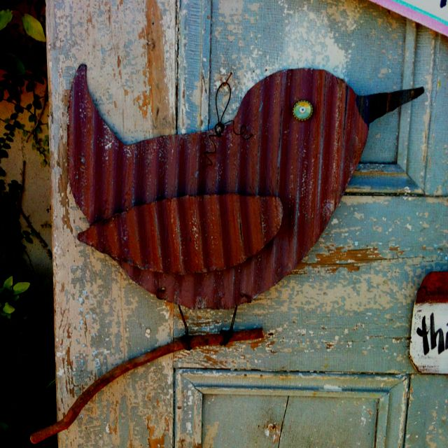 Corrugated metal bird. I want to make this!