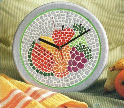 Manualidades como hacer un reloj de mosaico | Solountip.com