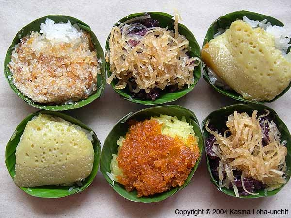 Tasty Thai Sweet Sticky Rice and Toppings