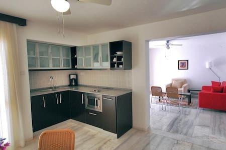 Airbnb'deki bu harika kayda göz atın: Superior Suite Two Bedroom 70 m² - Turunç Belediyesi şehrinde Kiralık Apartman daireleri, Muğla, Türkiye