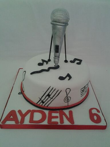 Very cool music mike cake