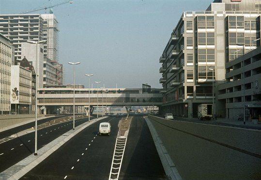De Catharijnebaan, nét opgeleverd in 1973. Het zag er best strak uit voor die tijd!