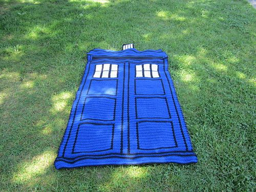 Free crochet pattern Ravelry: Project Gallery for Blue Police Box pattern by Sandra Petit