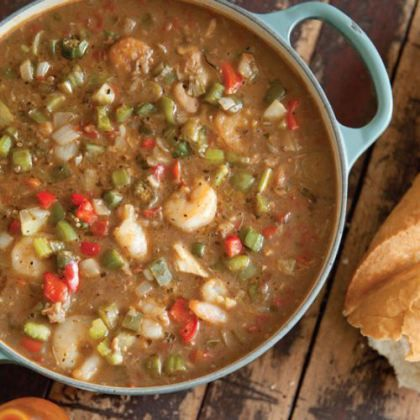Seafood Gumbo: Ingredients 1 cup vegetable oil 1 cup all-purpose flour 1 1/2 cups chopped onion 1 cup chopped green bell pepper 1 cup chopped red bell pepper 1 cup chopped celery 3 tablespoons minced garlic 3 cup...