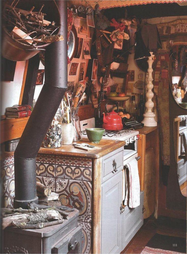 houseboat kitchen   interior design + decorating ideas